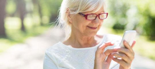 Choisir smartphone  pour une personne âgée